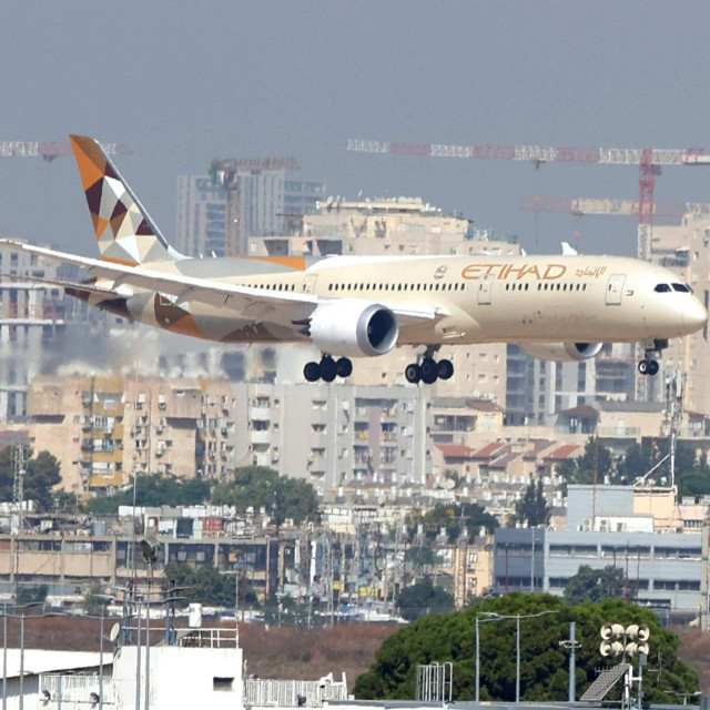 Zrakoplov Etihad Airwaysa slijeće u zračnu luku Ben Gurion