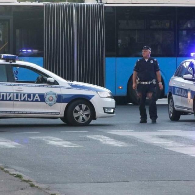 Ilustracija/policija na ulicama Novog Sada