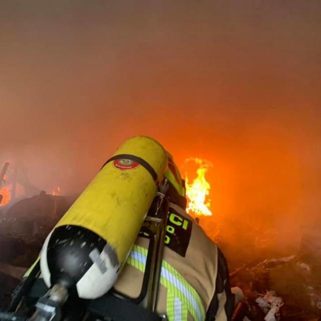 Eksplozija i požar u Rovinju