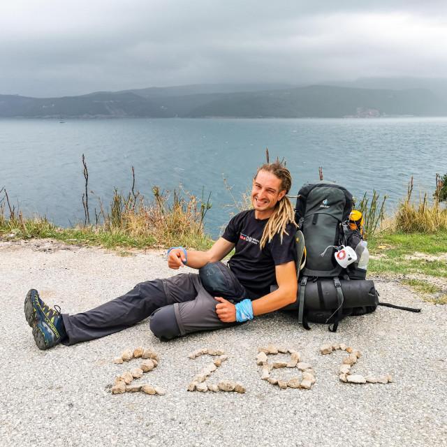 U sto dana Marin je istrošio tri para tenisica, najveća dnevna kilometraža bila je 57 km, a najkraće je hodao zadnji dan - 2,5 km