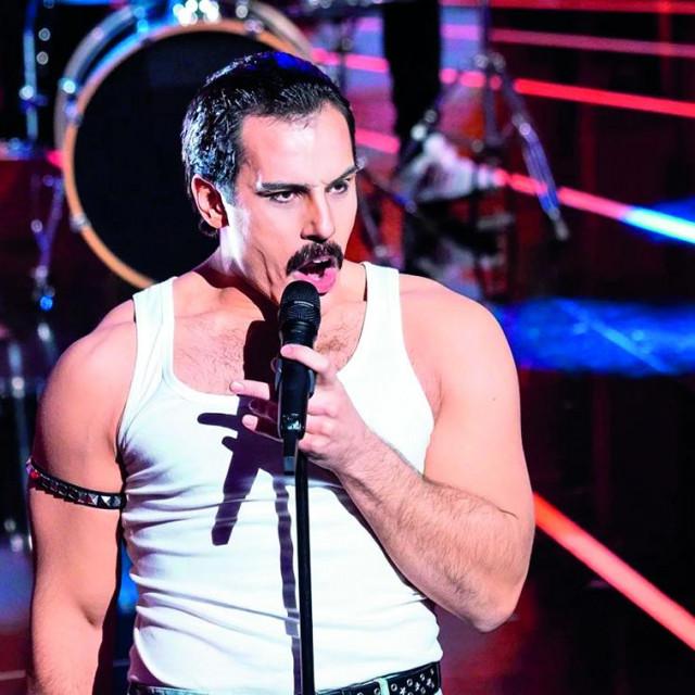 Fabijan Pavao Medvešek kao Freddie Mercury