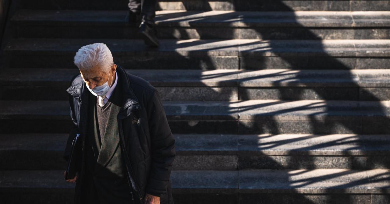 U Srbiji u posljednja 24 sata od Covida preminule tri osobe, zabilježeno 757 novozaraženih