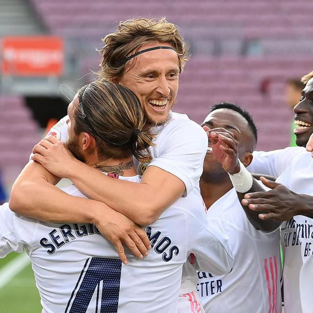 Luka Modrić oduševio je u zadnjim minutama utakmice