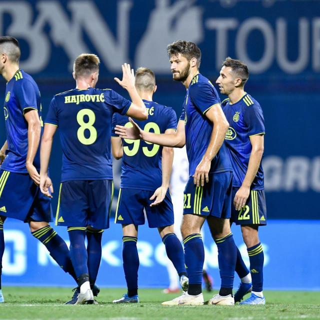 Izet Hajrović (broj 8) i Dino Perić (prvi lijevo) vratili su se u HNL nakon osam mjeseci
