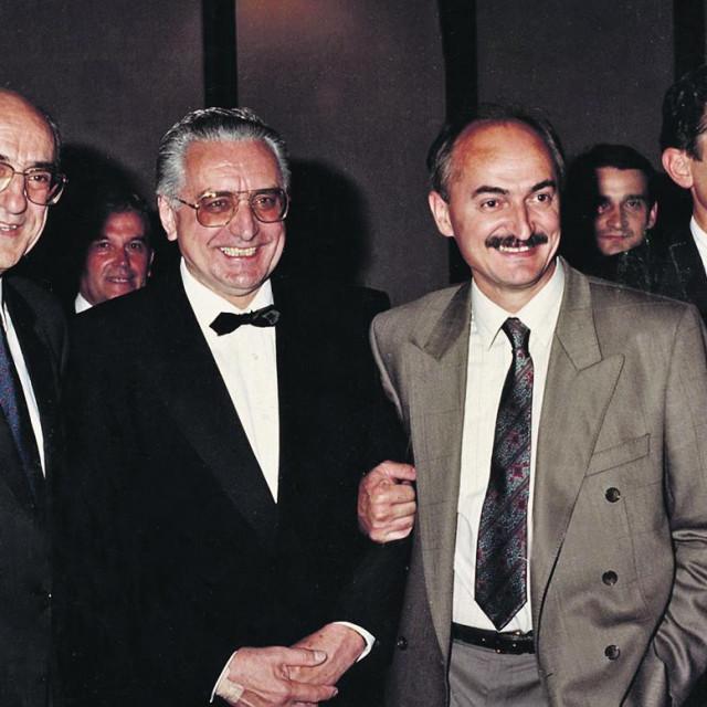 Franjo Tuđman i Slaven Letica (sredina)