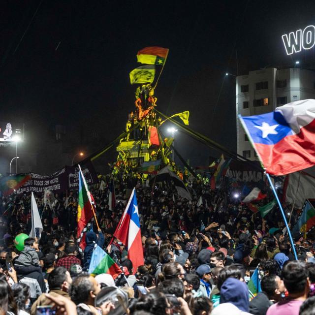 Proslava rezultata referenduma u Santiagu