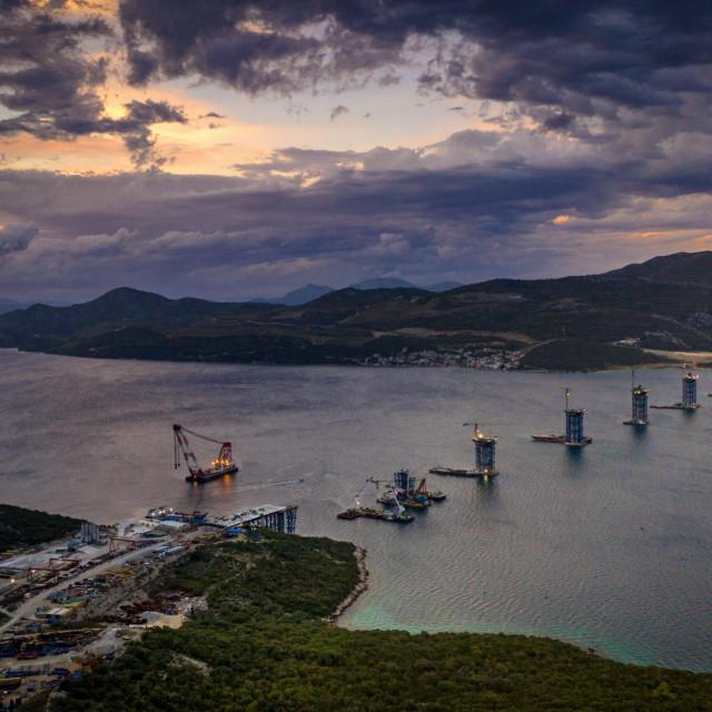 Izgradnja Pelješkog mosta i pristupnih cesta mostu