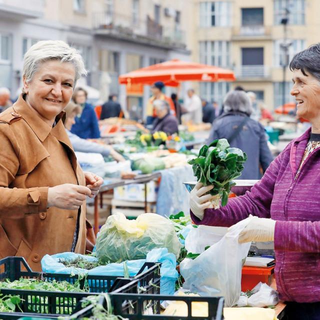 Sanja namirnice nabavlja  u OPG-u Brankice Soline, koja ima štand s povrćem i klicama i na zagrebačkom Dolcu