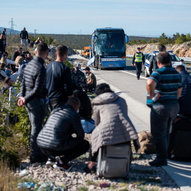 U nesreći autobusa iz Albanije nitko nije smrtno stradao, nekoliko je putnika lakse ozlijeđeno