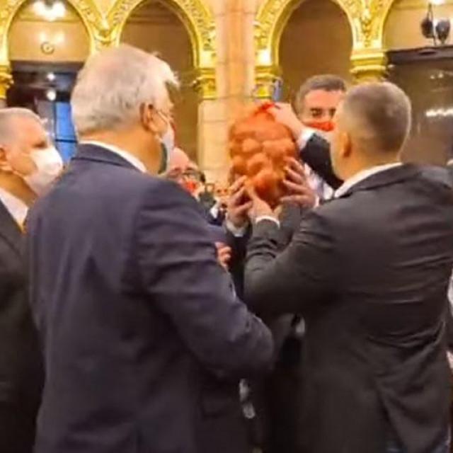 Vreća krumpira za Viktora Orbana