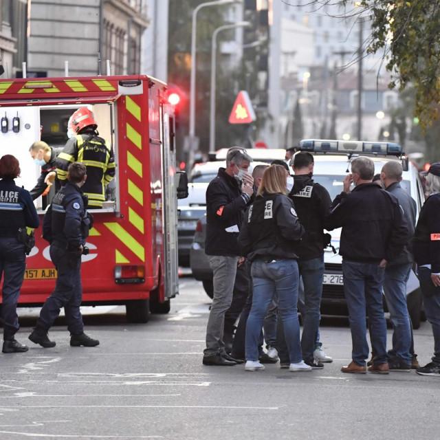 Policija osigurava mjesto napada u Lyonu