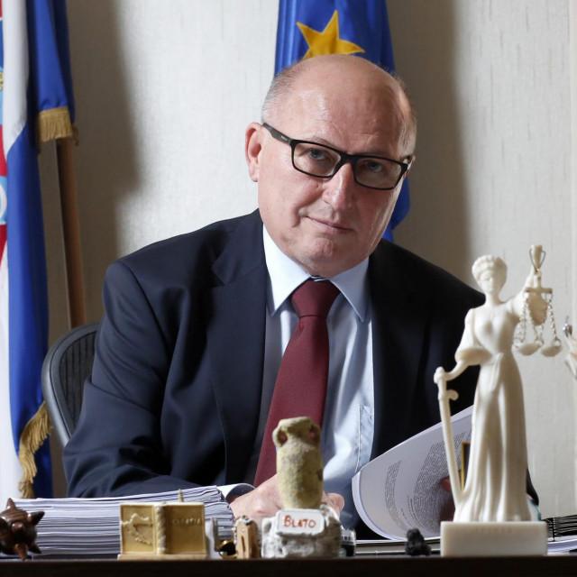 Predsjednik ustavnog suda Miroslav Šeparović<br /> <br /> <br /> <br /> <br />