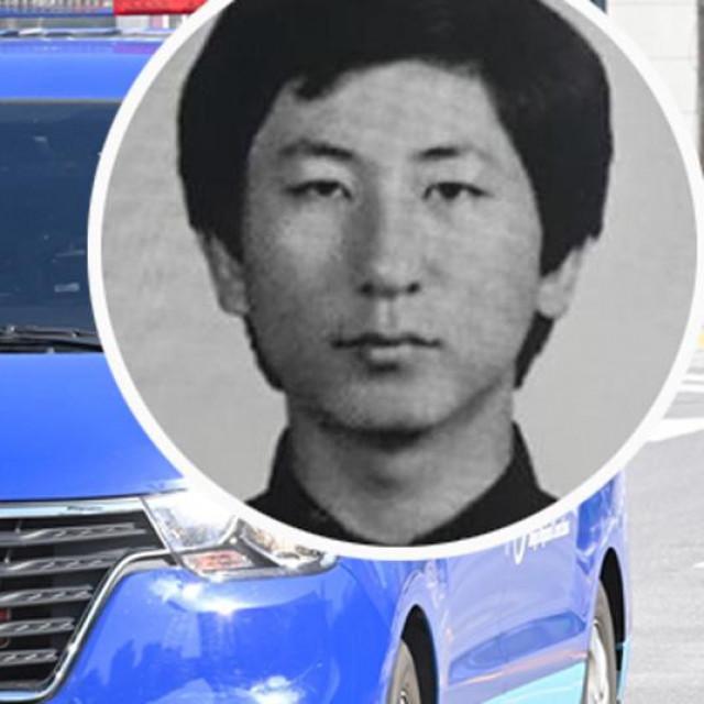 Ubojica Lee Chun-jae i policijski kombi kojim je prebačen na ispitivanje
