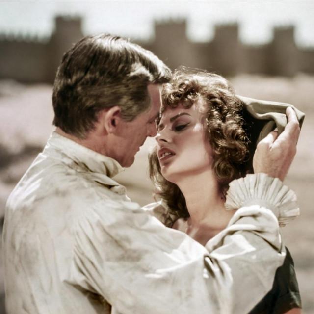 "Cary Grant i Sophia Loren u filmu ""Ponos i strast"""