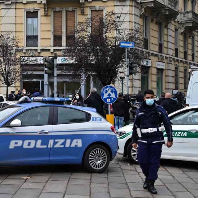 Policija u Milanu; ilustracija