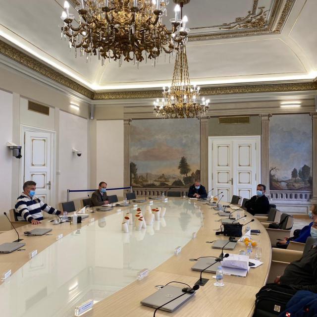 Andrej Plenković na sastanku sa Stožerom civilne zaštite