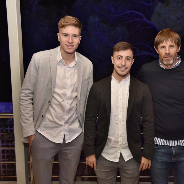 Rođeni Zagrepčani Toma Bašić i Josip Juranović karijeru su počeli u Dubravi, a afirmaciju stekli u splitskom Hajduku