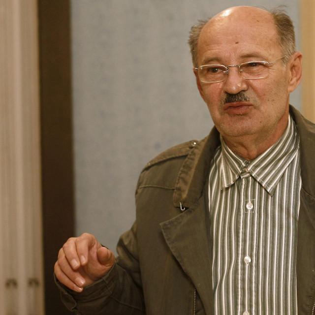 Mustafa Nadarević, na pauzi snimanja serije ''Lud zbunjen normalan''