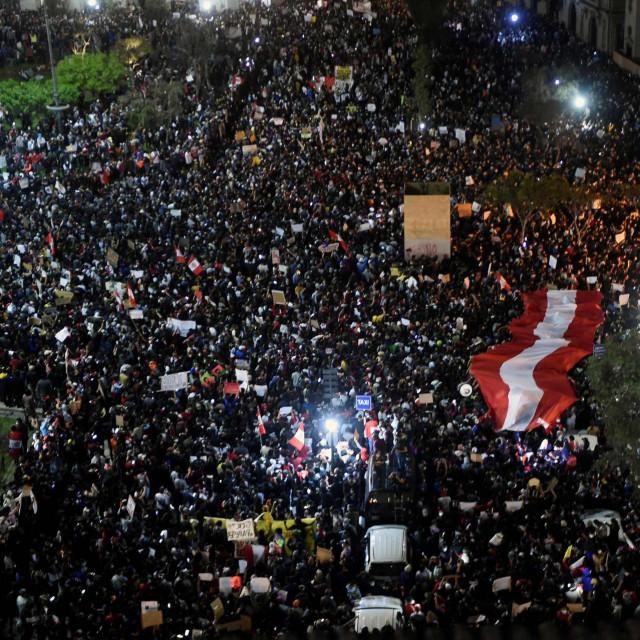 Prosvjed na Trgu San Martin u Limi, Peru