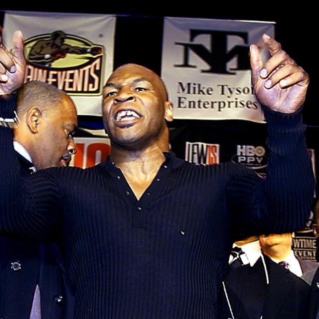 Mike Tyson Lewis pressica 2002