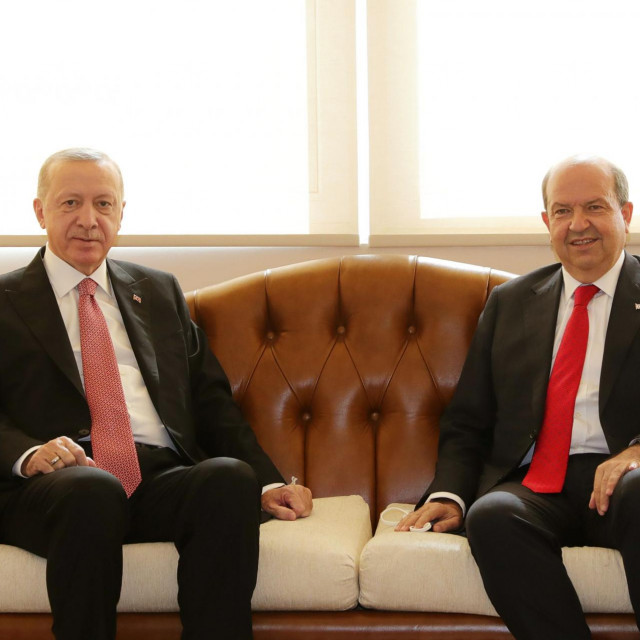 Turski predsjednik Erdogan i samoproglašeni vođa Sjevernog Cipra Tatar