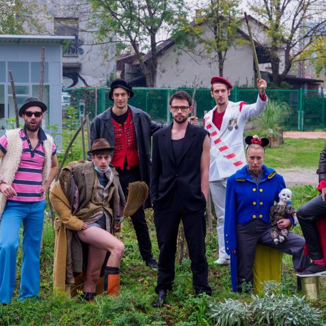 glumačka ekipa iz predstave 'Proces Kafka'