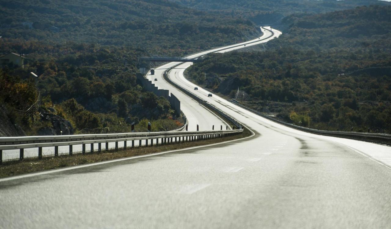 Jutarnji List Bih Potpisan Ugovor O Izgradnji Dijela Autoceste Dugog 5 5 Km Vrijedan Je 208 Milijuna Eura