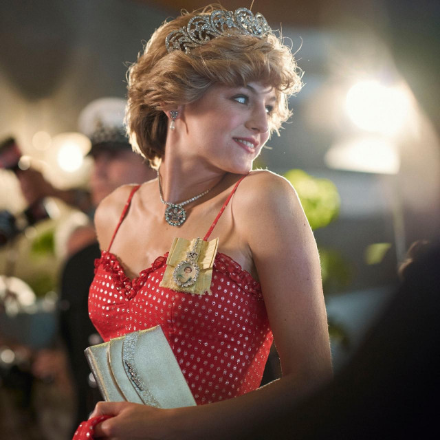 Emma Corrin kao princeza Diana