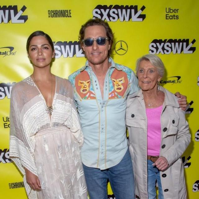 Matthew McConaughey sa suprugom Camilom i majkom Kay