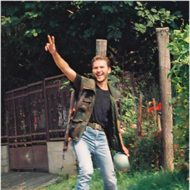 Vukovarski branitelj Damir Plavšić na odlasku na položaj