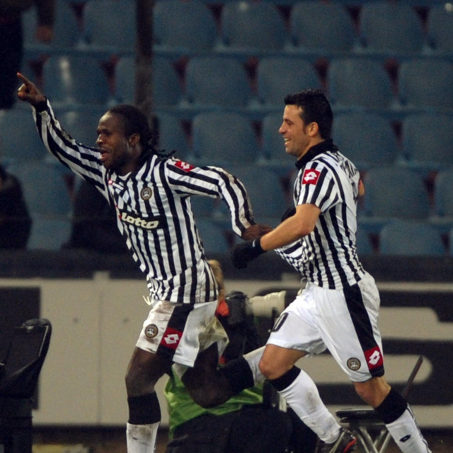 Christian Obodo slavi gol koji je zabio Dinamu u prosincu 2008. godine