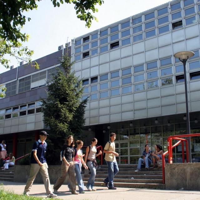Gimnazija u novozagrebačkoj Utrini