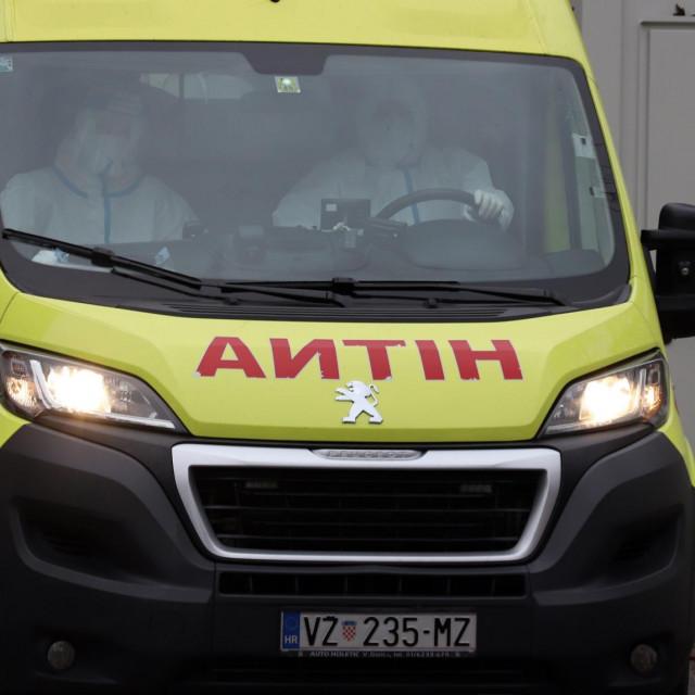 Sanitetsko vozilo; ilustracija