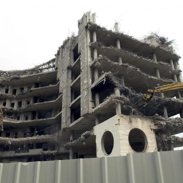 Rušenje zgrade Cimosa<br />