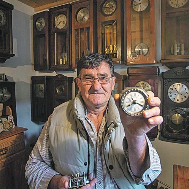 Vlado Balažinec iz mjesta Poljanec kod Ludbrega strastveni je sakupljač satova.