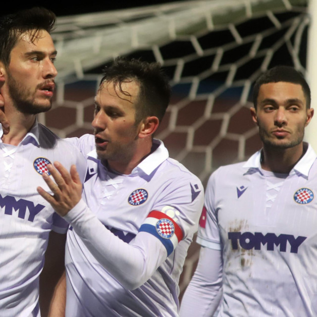 Slavlje igrača Hajduka nakon gola Nayira Mehmeta Umuta