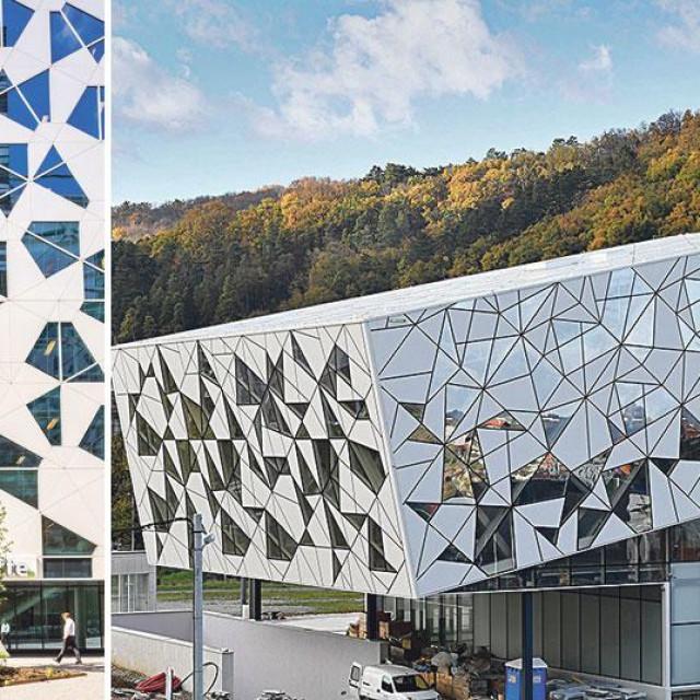 Pročelje poslovne zgrade Deloittea u Oslu (lijevo), pročelje zgrade nove sljemenske žičare (desno)