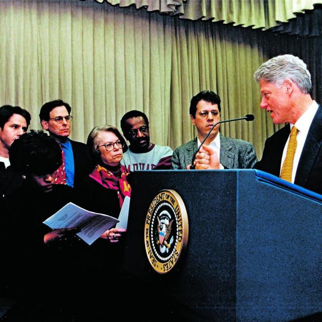 Antony Blinken (sasvim lijevo) diplomatsku karijeru počeo je u administraciji BIlla Clintona, radio je u privatnom sektoru, a potom se opet aktivirao u politici za vrijeme Obame i Bidena. Sada se ponovno vraća na scenu