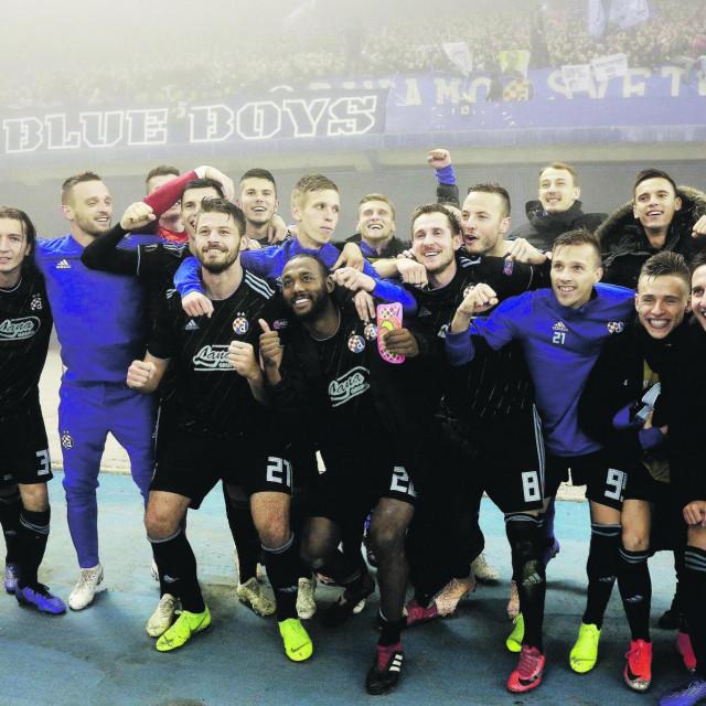 Slavlje Dinama nakon pobjede protiv Spartaka