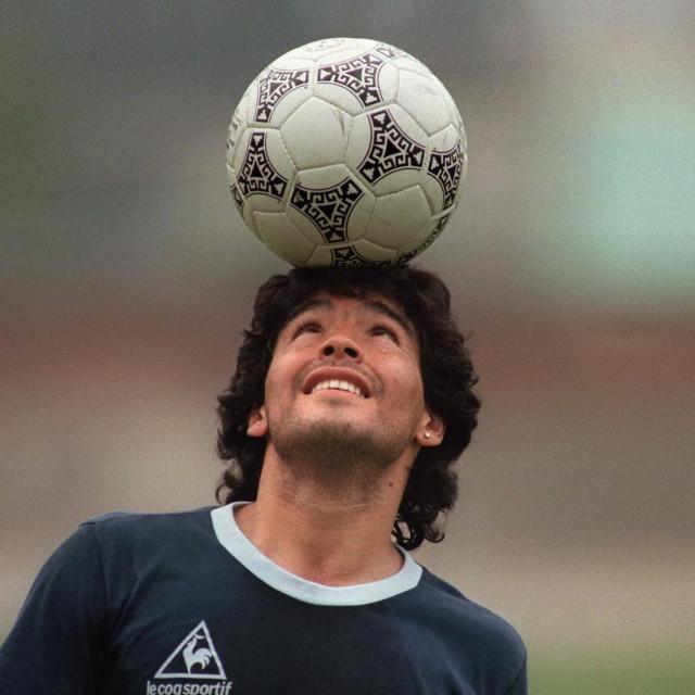 Diego Maradona na treningu argentinske nogometne reprezentacije u Mexico Cityju 1986. godine
