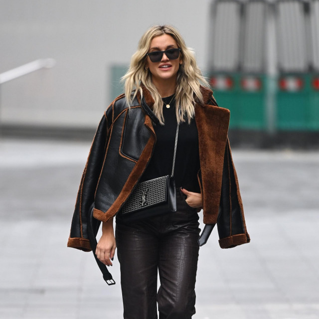 Mandatory Credit: Photo by Beretta/Sims/Shutterstock (11024848a)<br /> Ashley Roberts<br /> Ashley Roberts out and about, London, UK - 20 Nov 2020