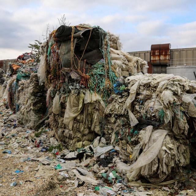 U bivšoj tvornici Istraplastike firma Natural recycling company odlaže otpad