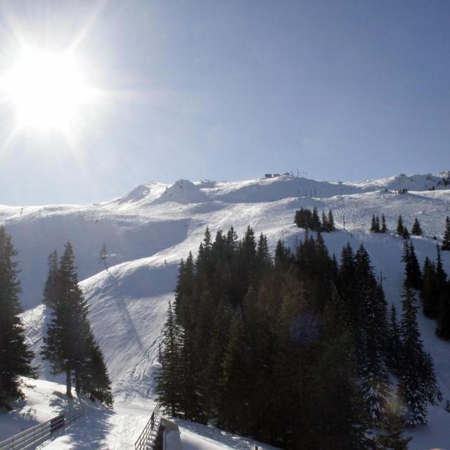Pogled na vrhove olimpijske planine Jahorina