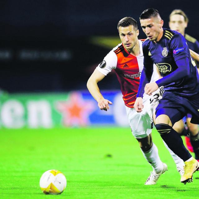Lirim Kastrati protiv Uroša Spajića u maksimirskom ogledu Dinama i Feyenoorda