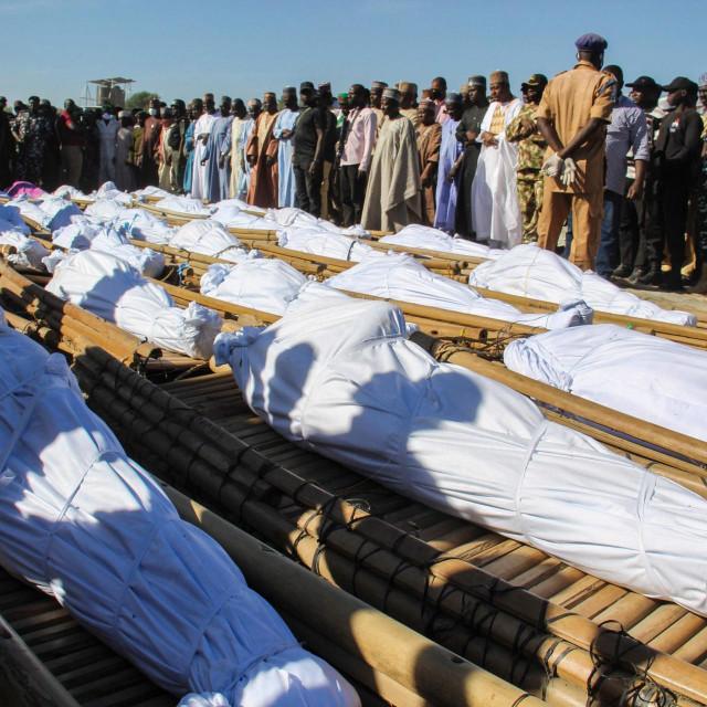 Ispraćaj žrtava masakra