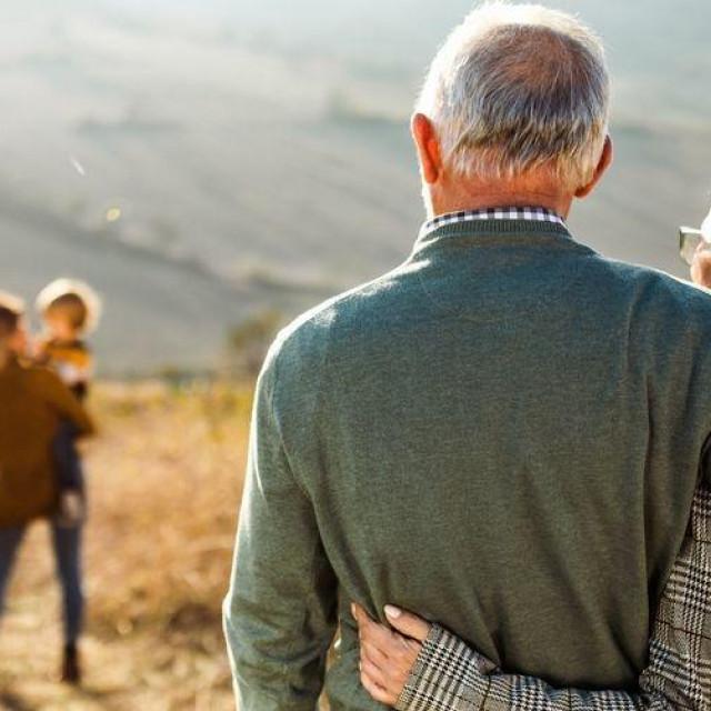 Kad se radi o starijim osobama, komplikacije povezane s gripom mogu biti opasne po život