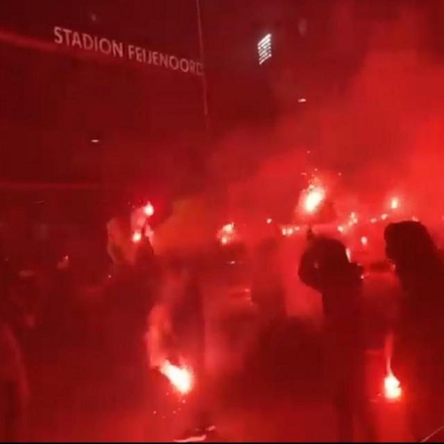 Bakljada navijača Feyenoorda