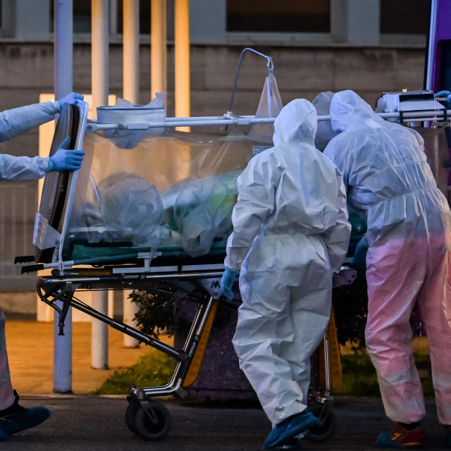 Zdravstveni djelatnici u bolnici nedaleko od Rima