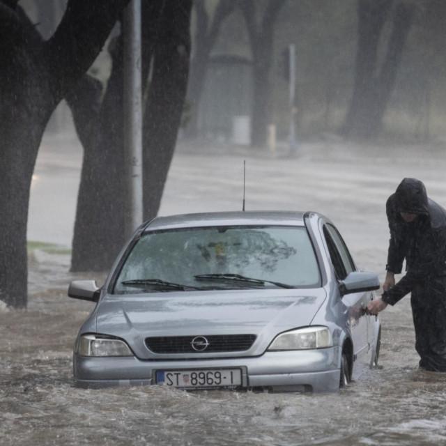 Nevrijeme s obilnom kišom u Splitu