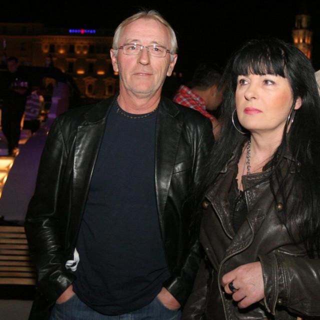 Oliver Dragojević i supruga Vesna.